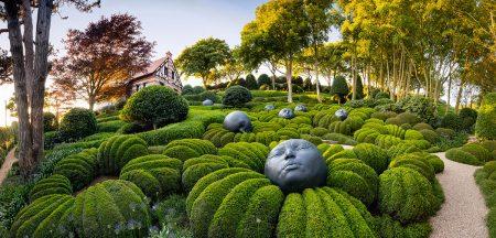Les Jardins d'Etretat by Richard Bloom