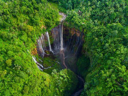 Tumpak Sewu Waterfall by Suwandi Chandra