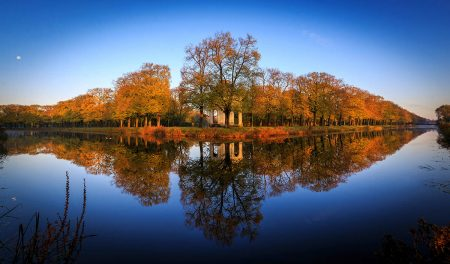 Mirrored Autumn by Lars Gerhardts