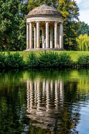 Leibniz Temple Reflections by Ursula Potts